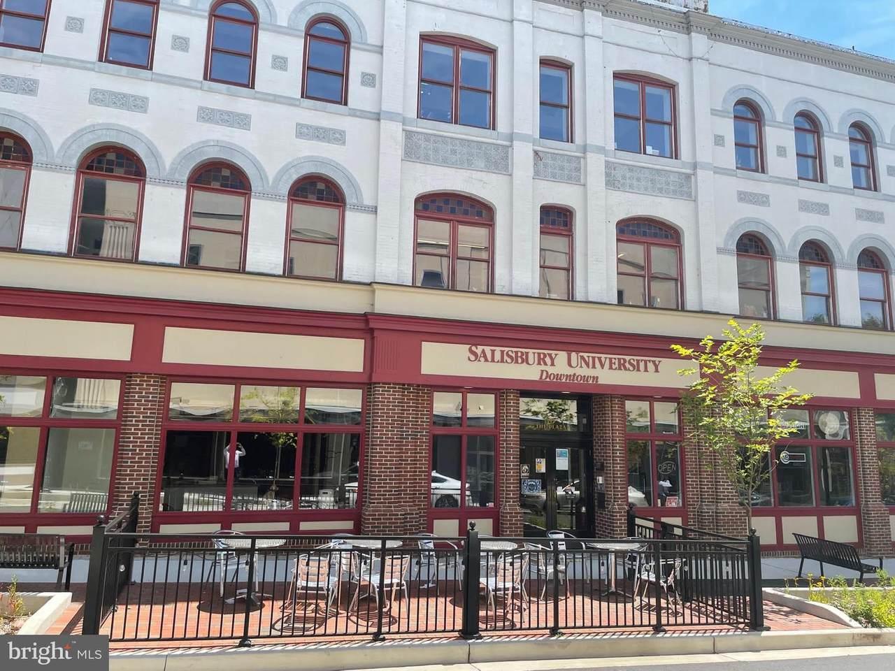 212 W. Main Street - Photo 1