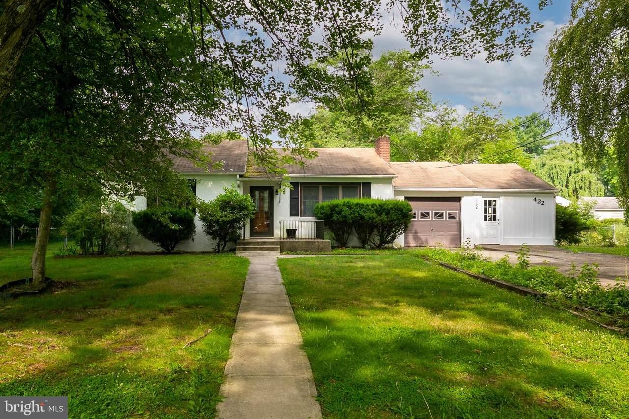 422 Collins Avenue - Photo 1