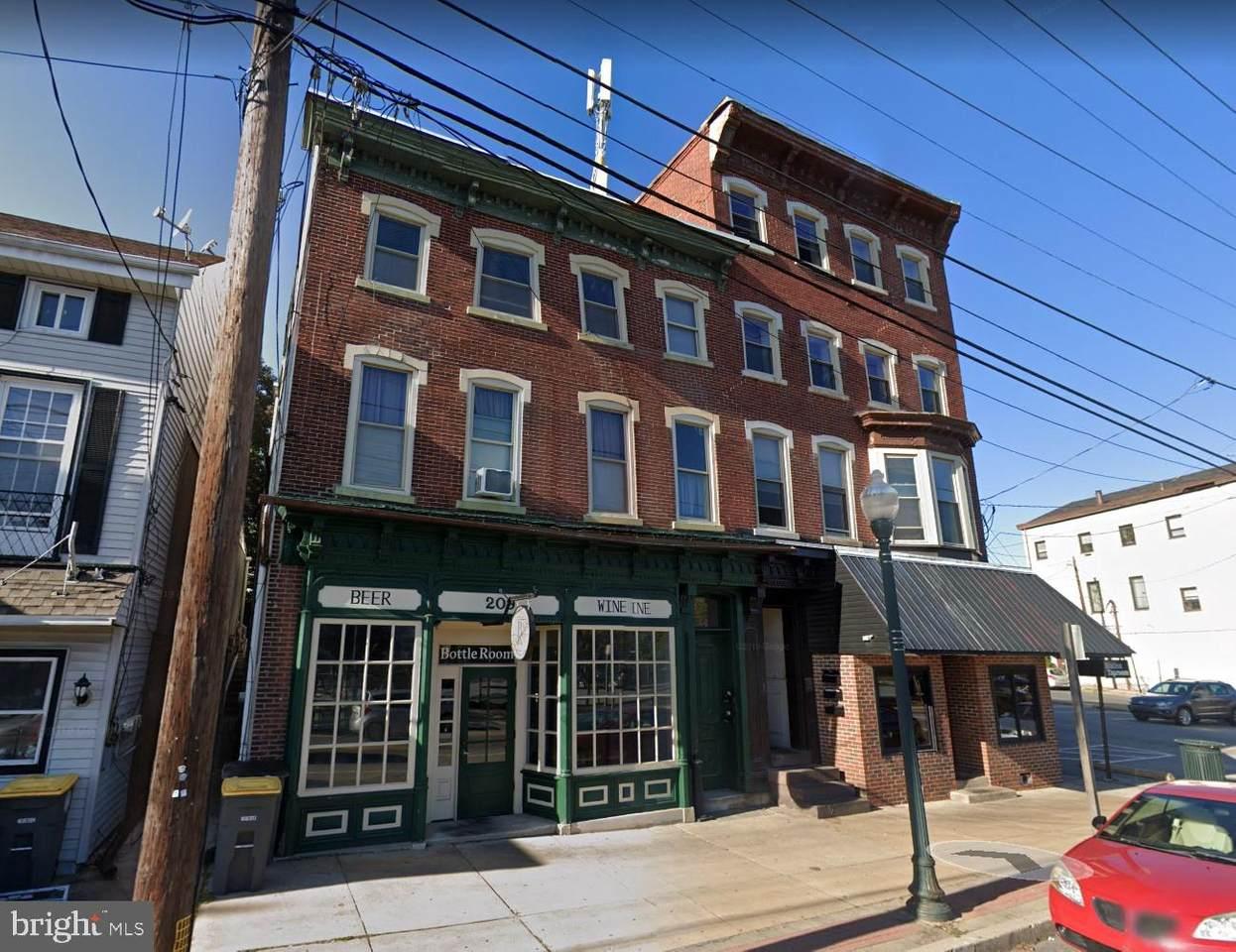 207 Lancaster Avenue - Photo 1
