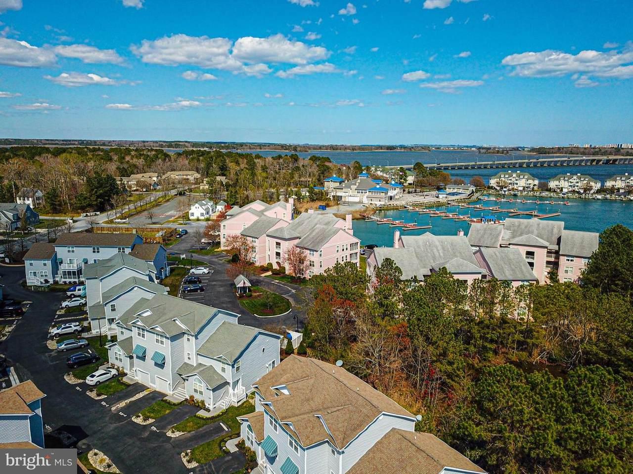 529 Yacht Club Drive - Photo 1