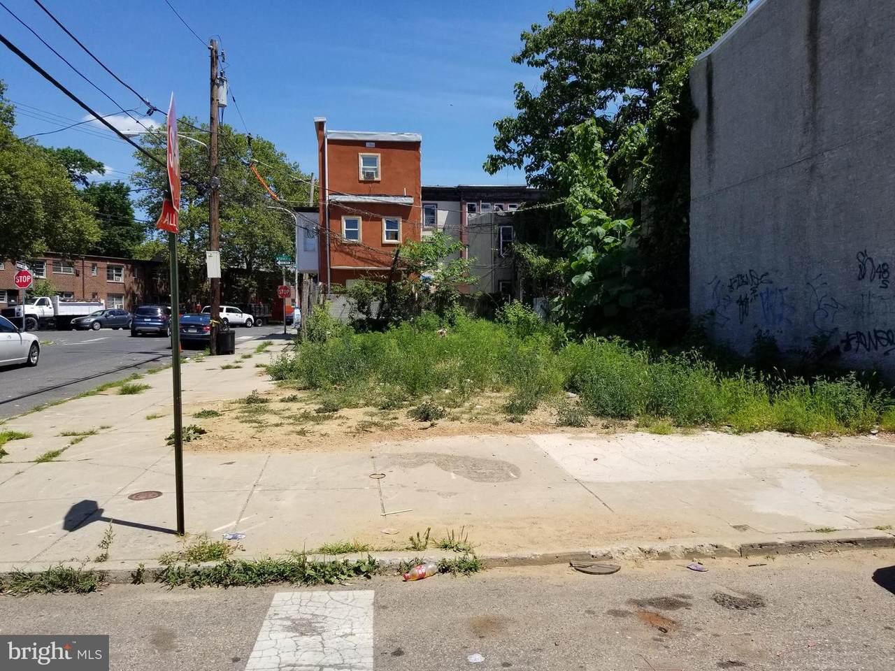 1863 27TH Street - Photo 1