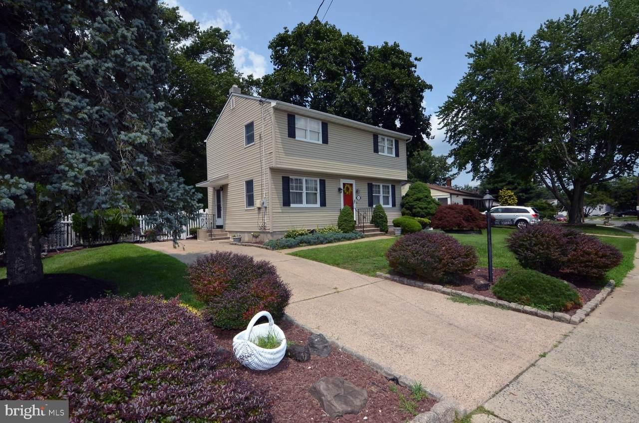 192 Elton Avenue - Photo 1