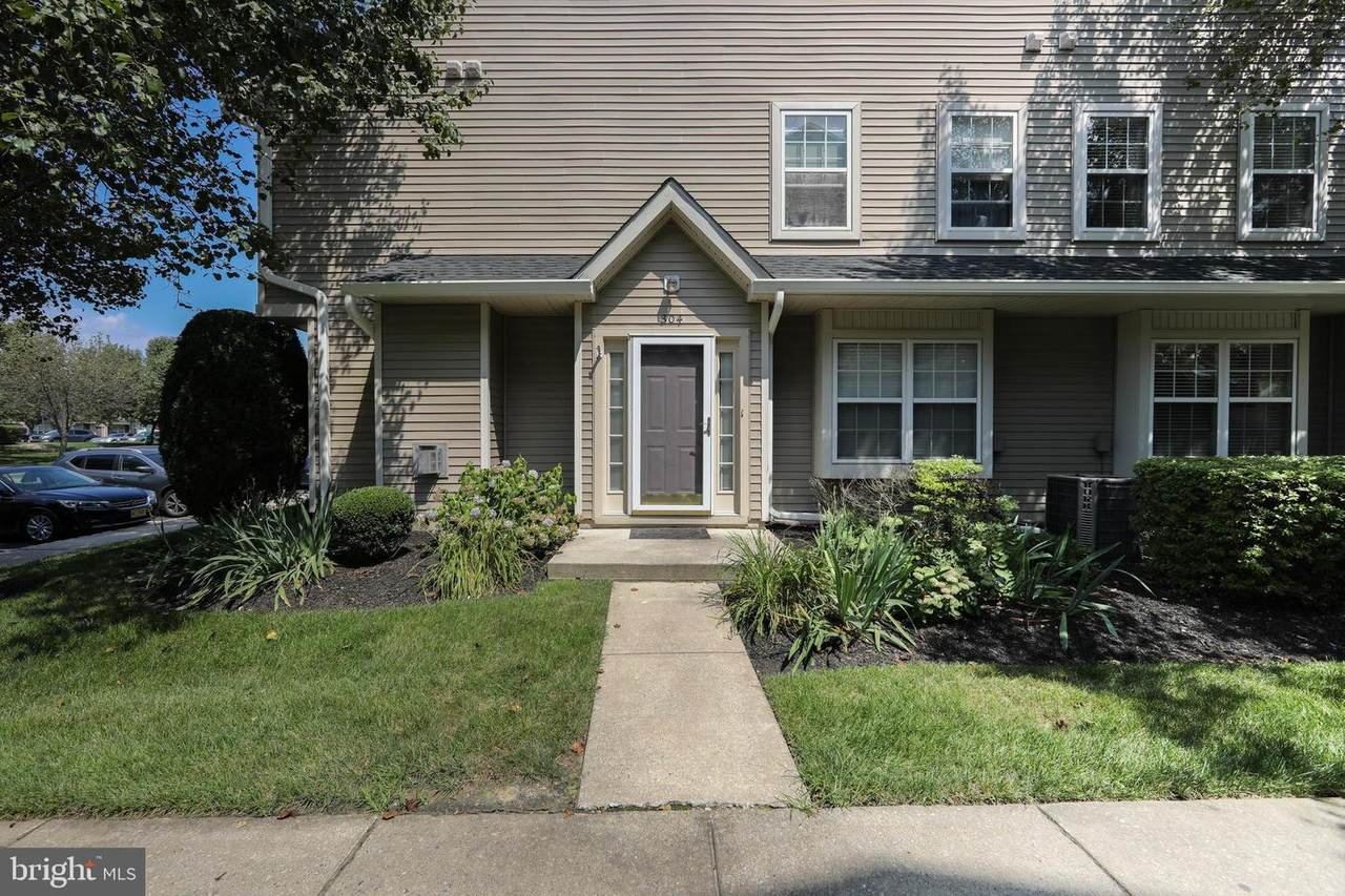 304 Coventry Way - Photo 1