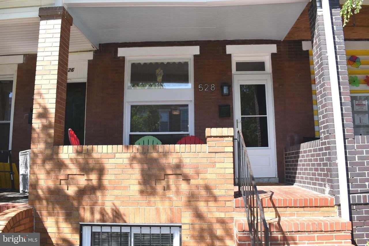528 Robinson Street - Photo 1