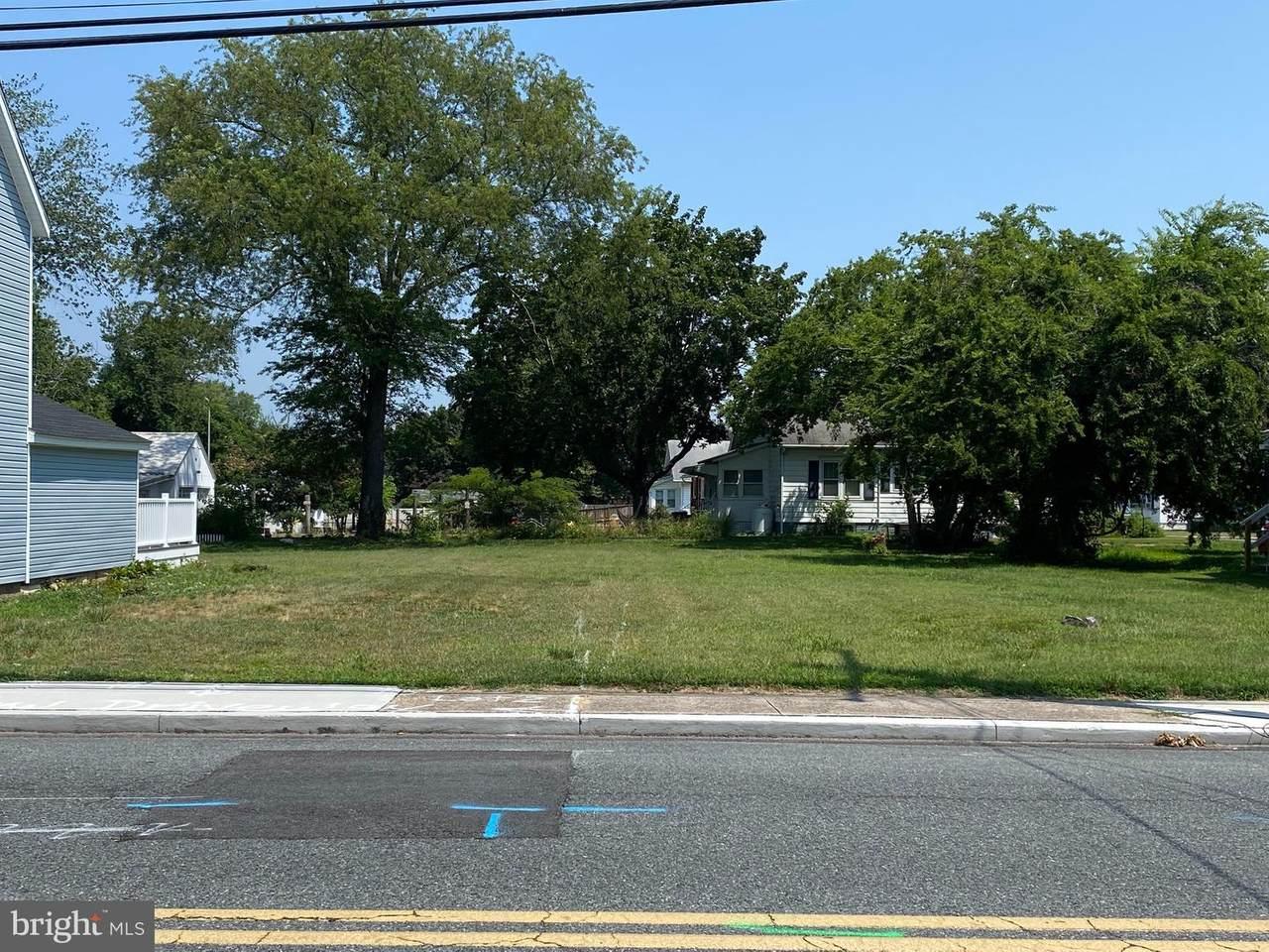 813 2ND Street - Photo 1