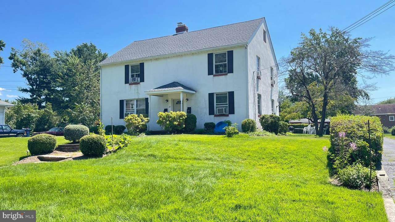 25 Forrest Avenue - Photo 1