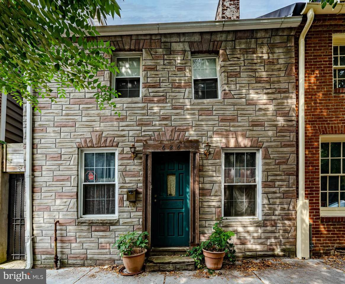 626 Wolfe Street - Photo 1