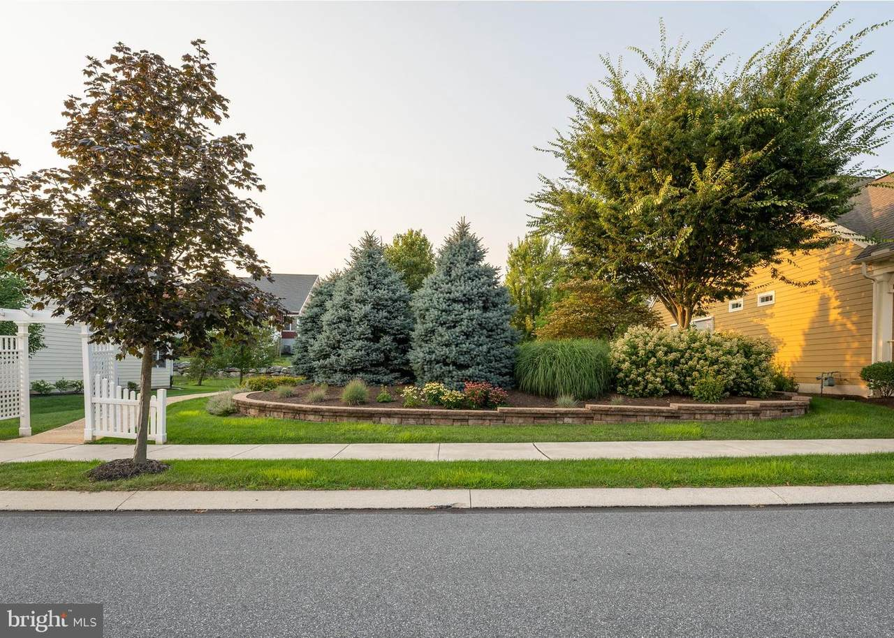 552 Constitution Drive - Photo 1