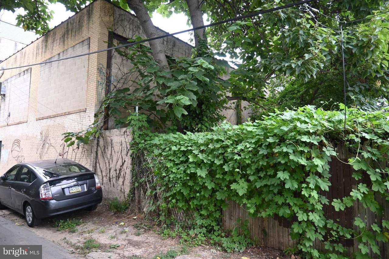 2135 Dakota Street - Photo 1