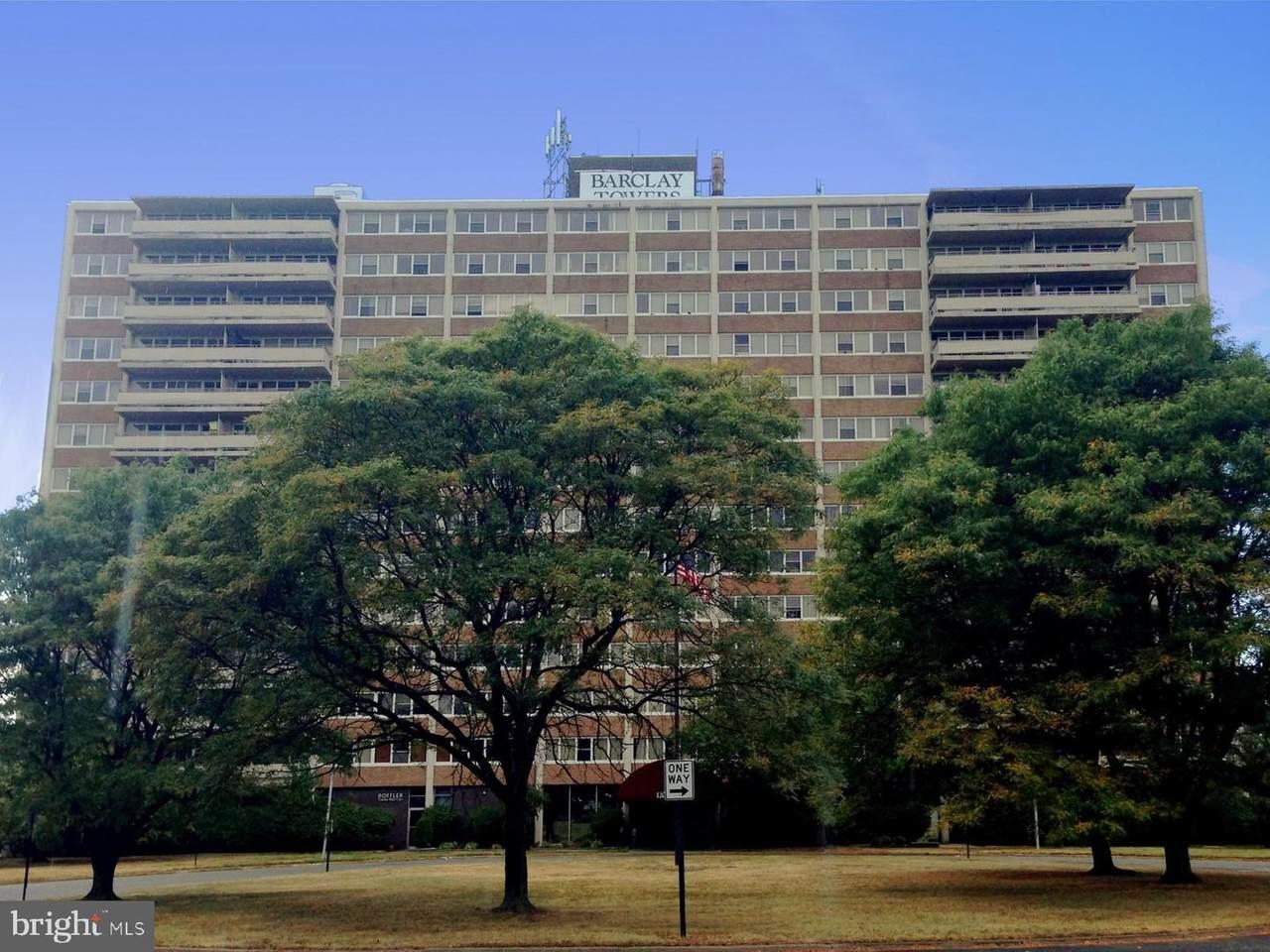 907 Barclay Towers - Photo 1