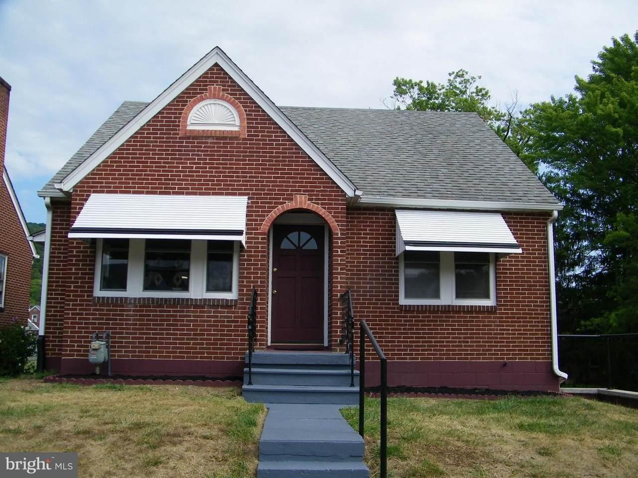 11610 Hickory Avenue - Photo 1
