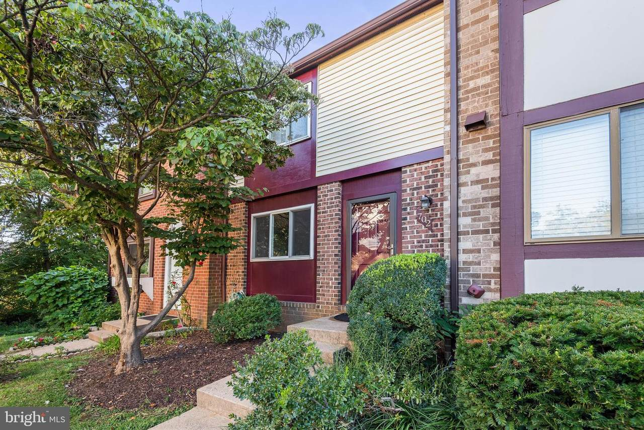 702 Giles Place - Photo 1
