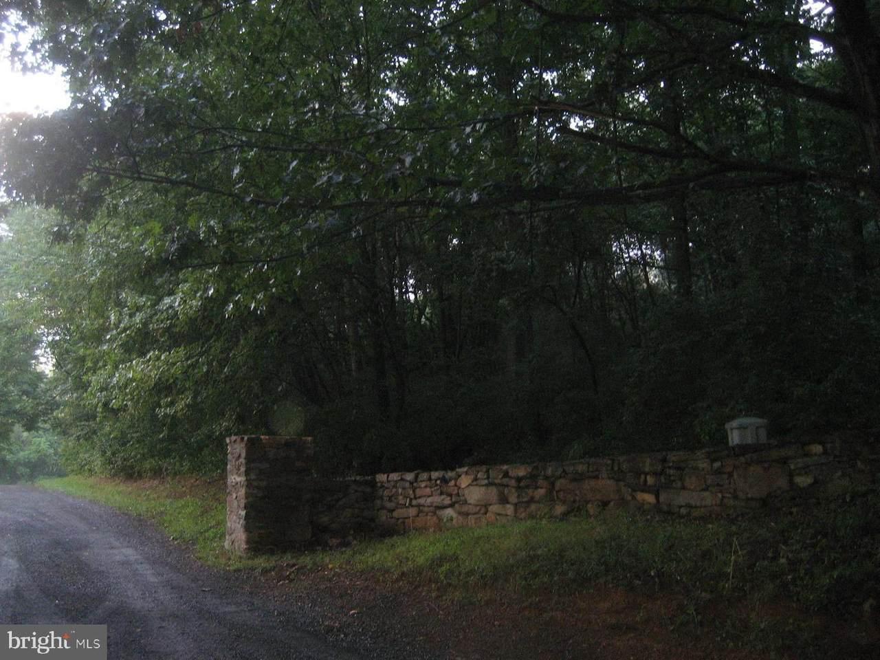 Silo Road - Photo 1