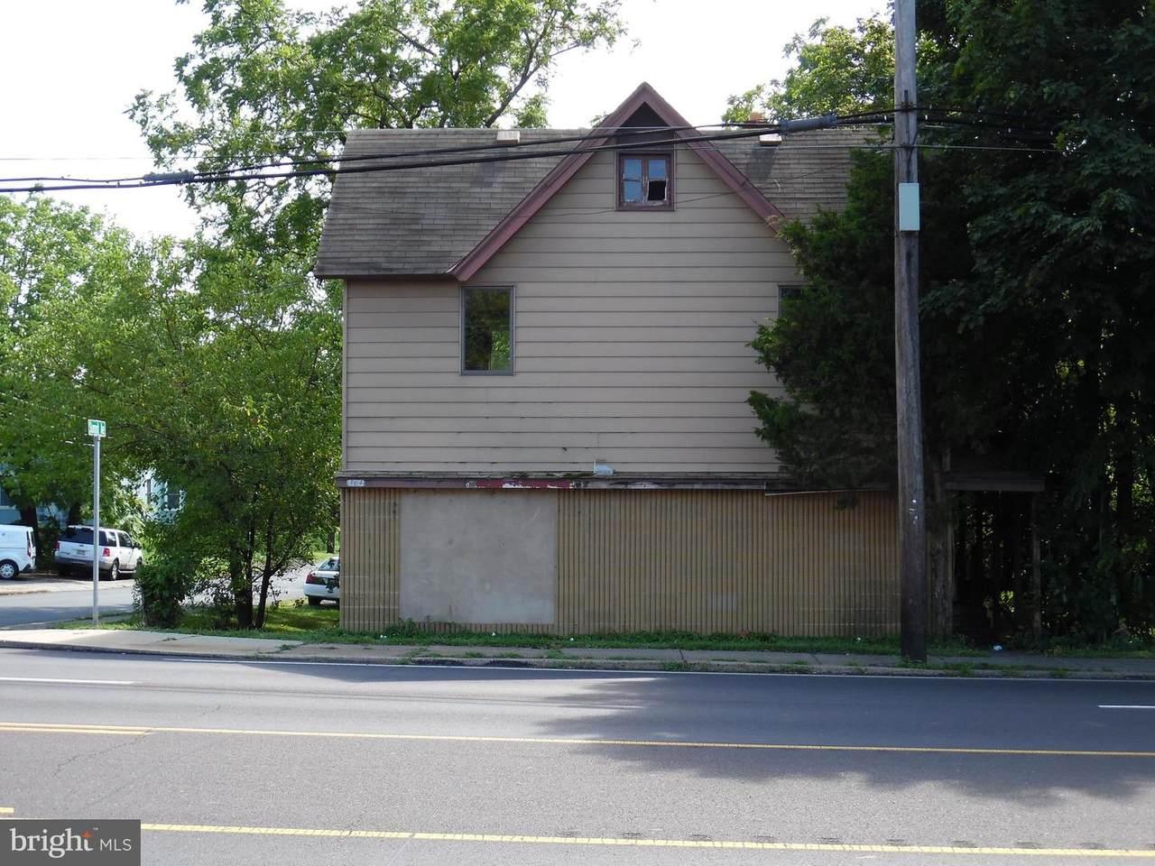 564 Street Road - Photo 1