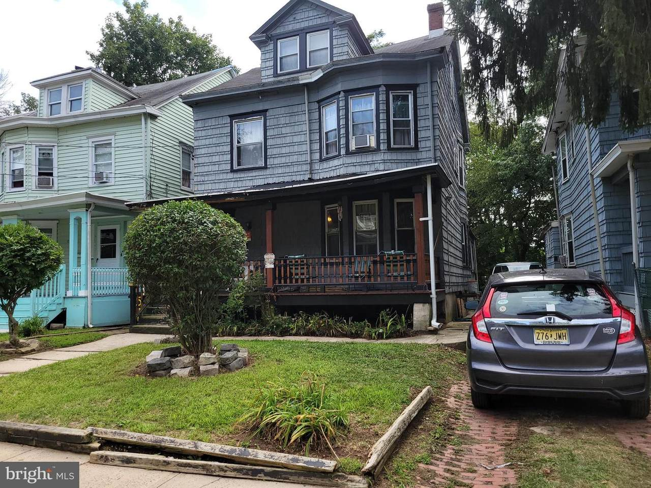 571 Rutherford Avenue - Photo 1
