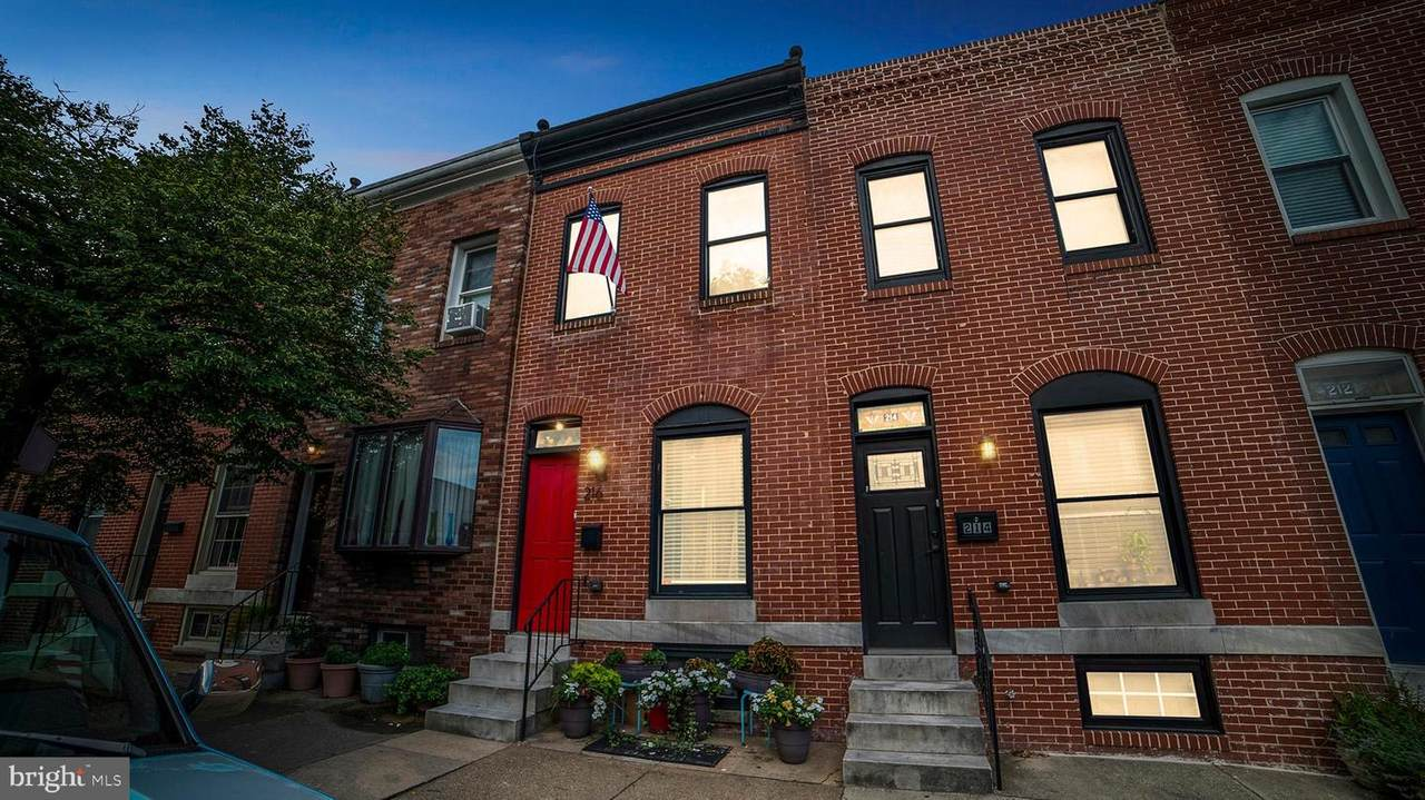 216 Clinton Street - Photo 1