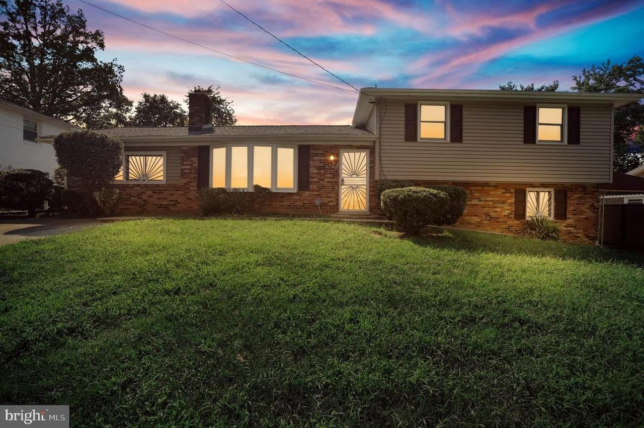 9107 Pinehurst Drive - Photo 1