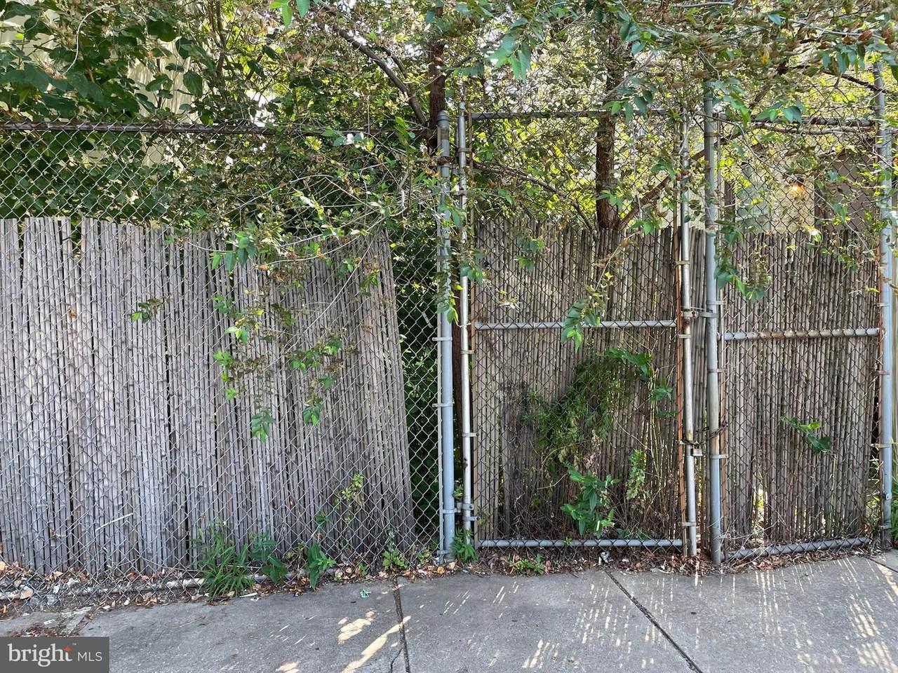 1219 6TH Street - Photo 1