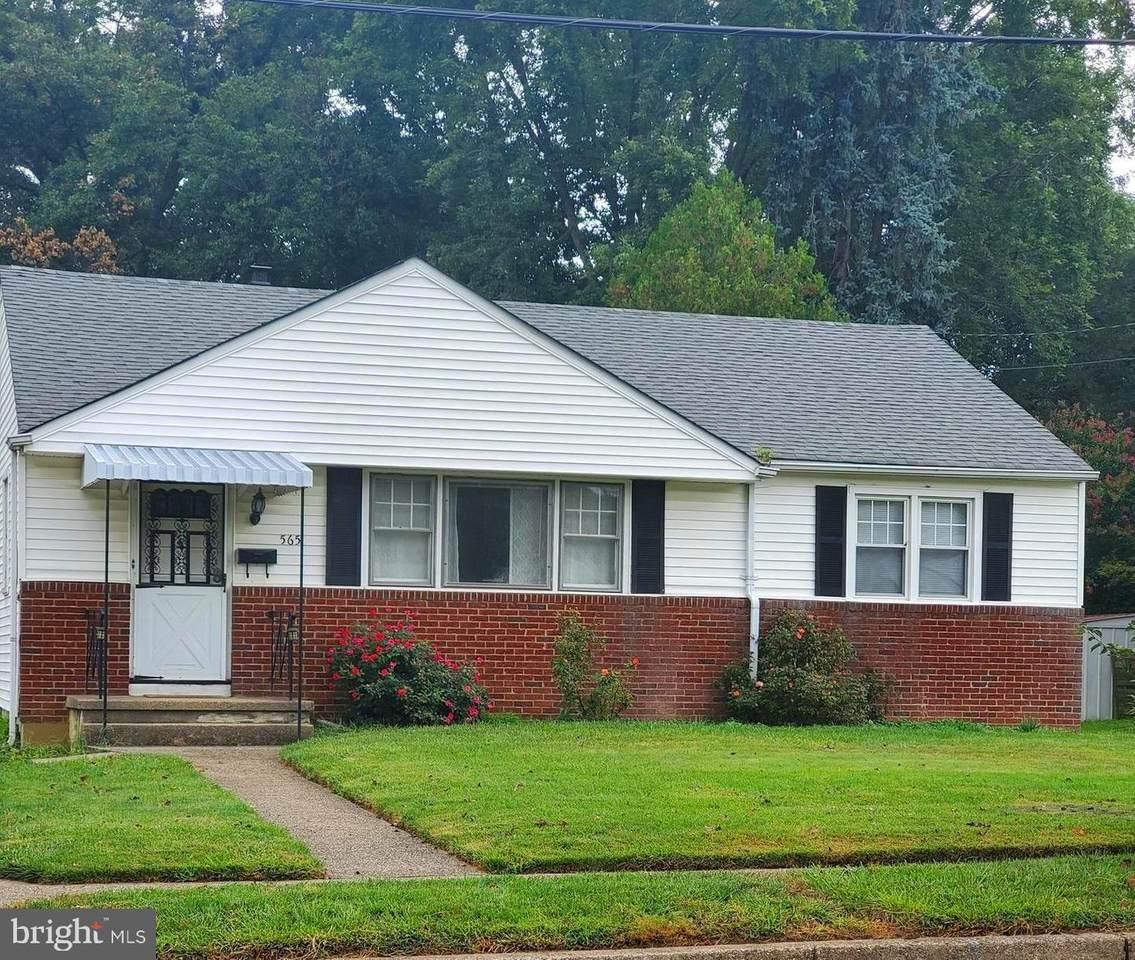 565 Dewey Parker Avenue - Photo 1