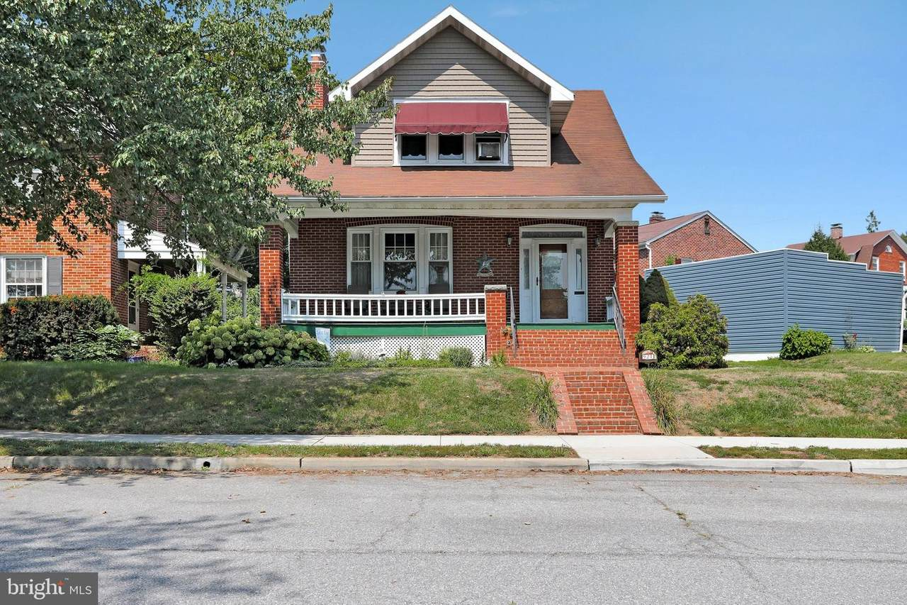 921 Dewey Avenue - Photo 1