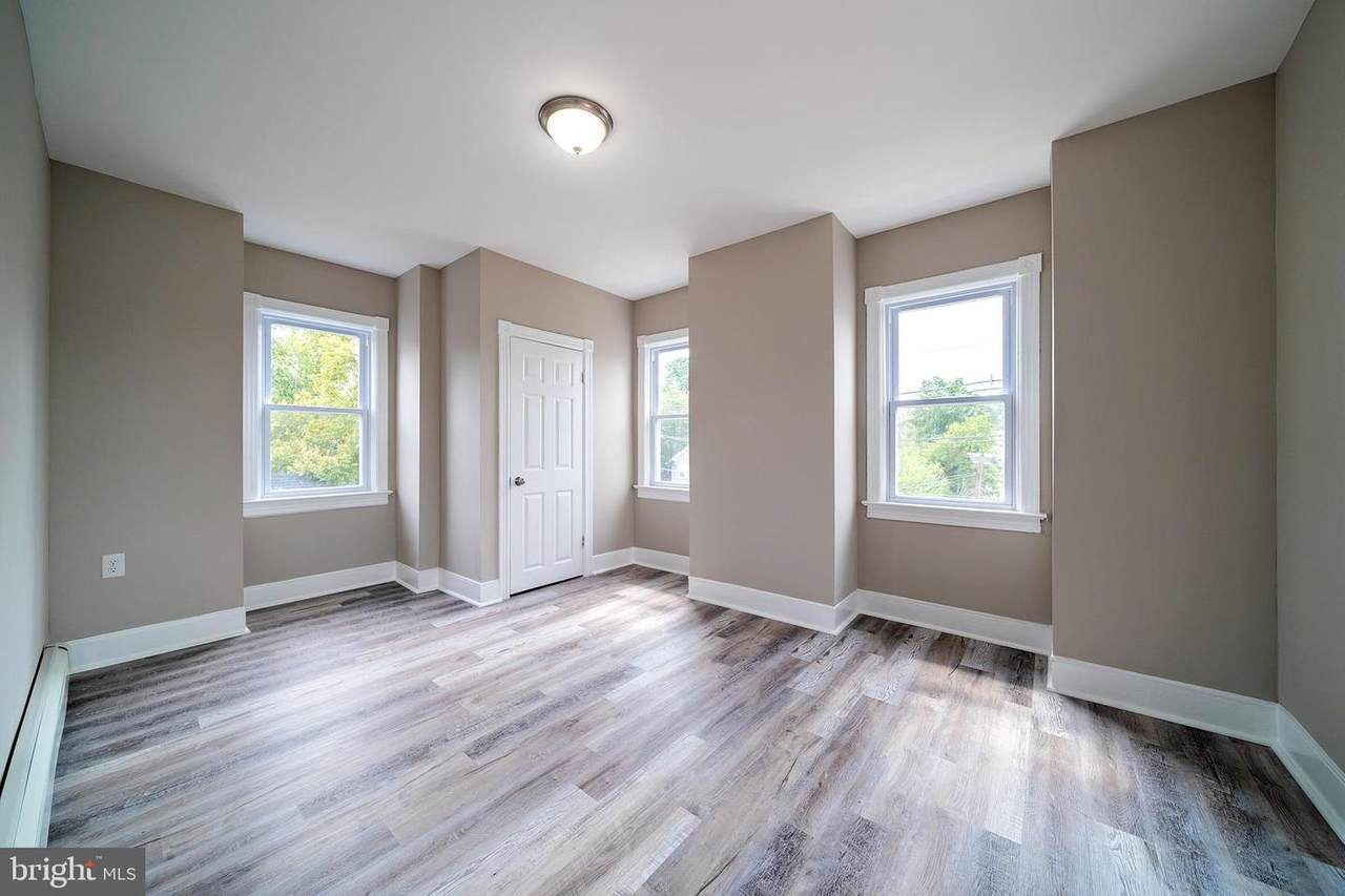 252 Parkway Ave. - Photo 1