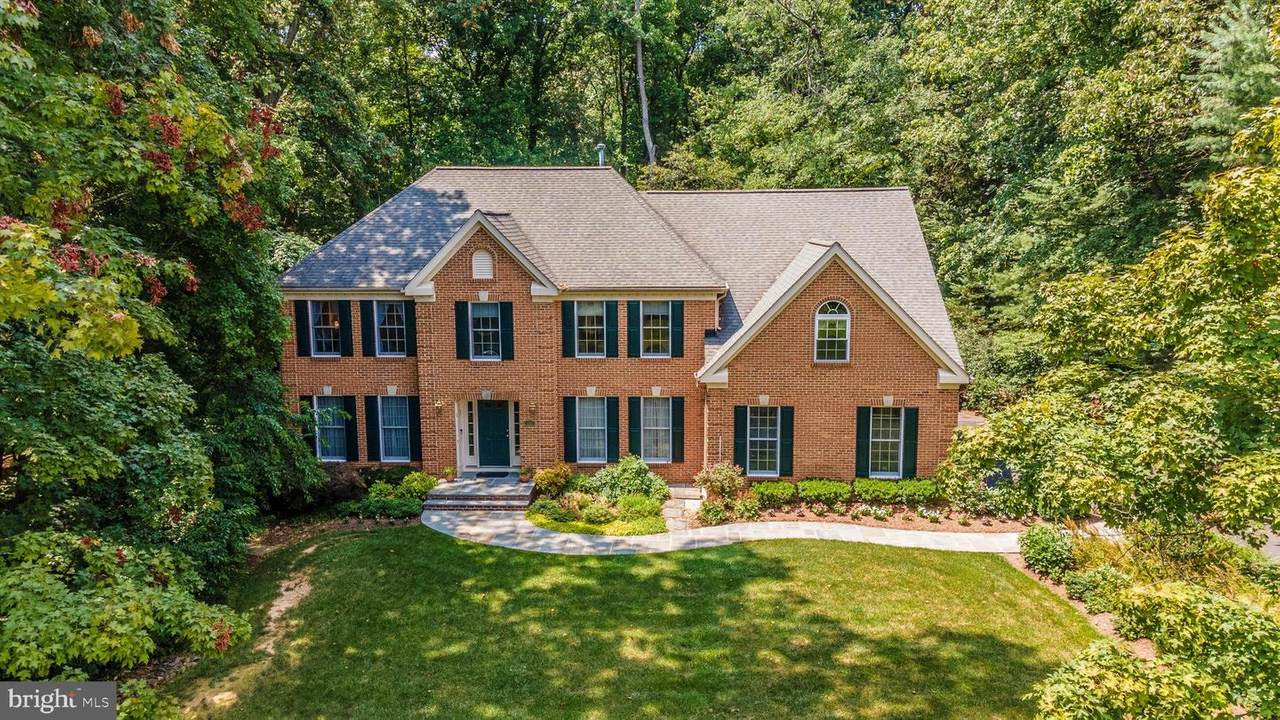 6421 Manor View Drive - Photo 1
