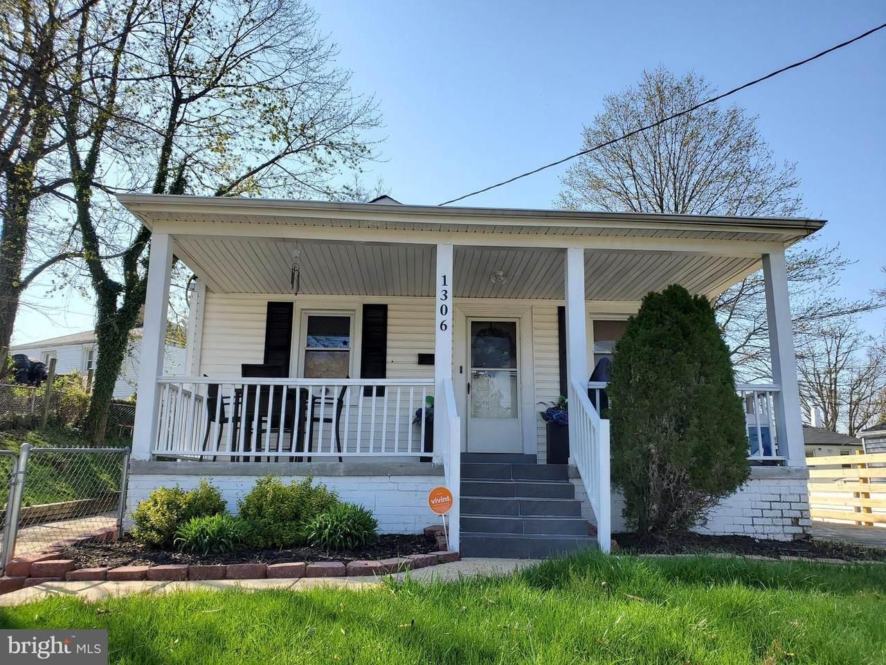1306 Farmingdale Avenue - Photo 1