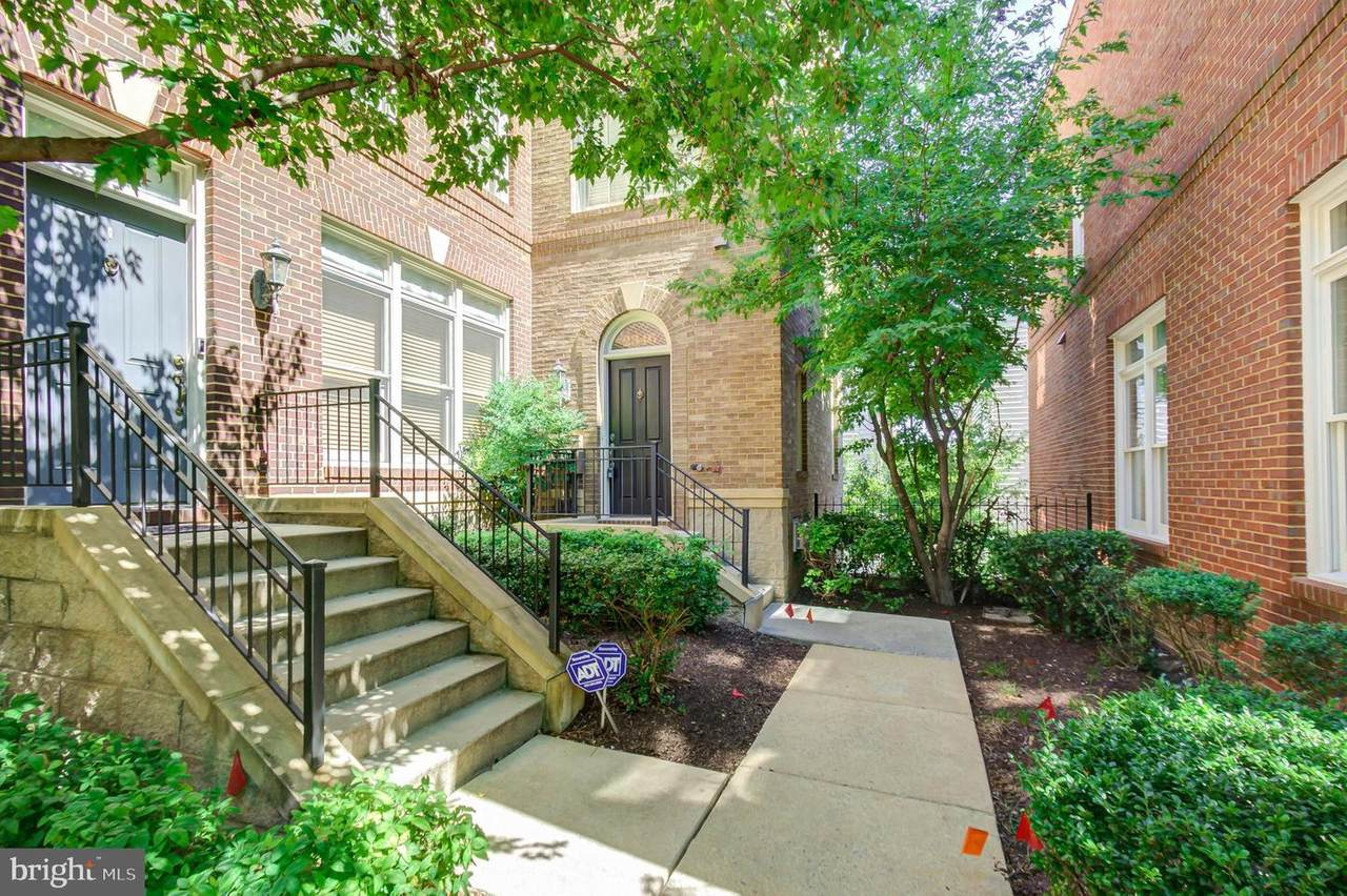 2346 Cobble Hill Terrace - Photo 1