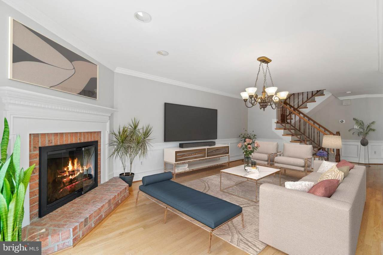 6329 Chaucer View Circle - Photo 1