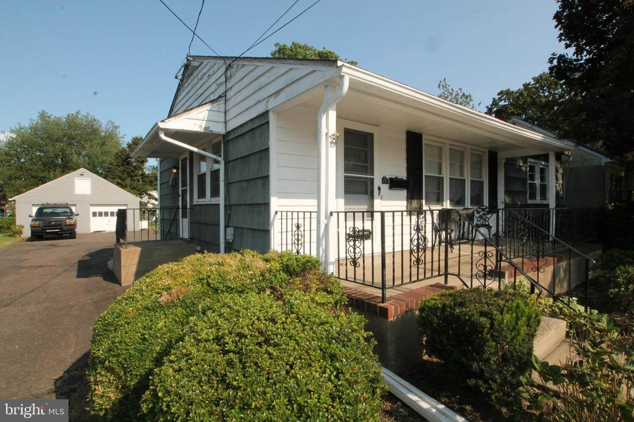 137 Pine Street - Photo 1