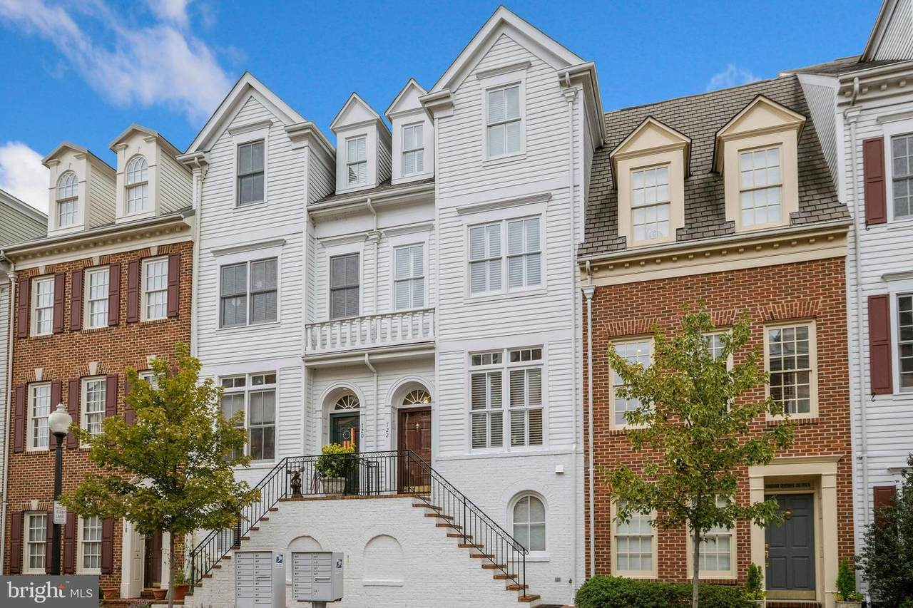 722 Battery Place - Photo 1
