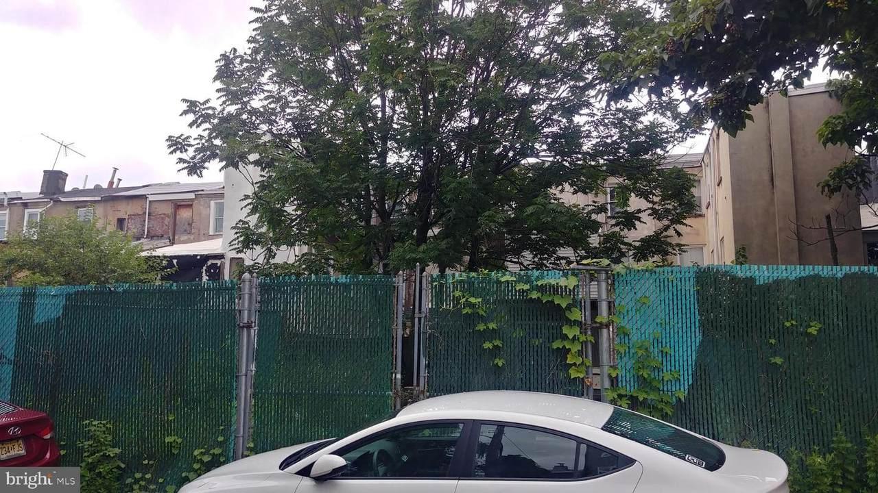 1530 Leithgow Street - Photo 1