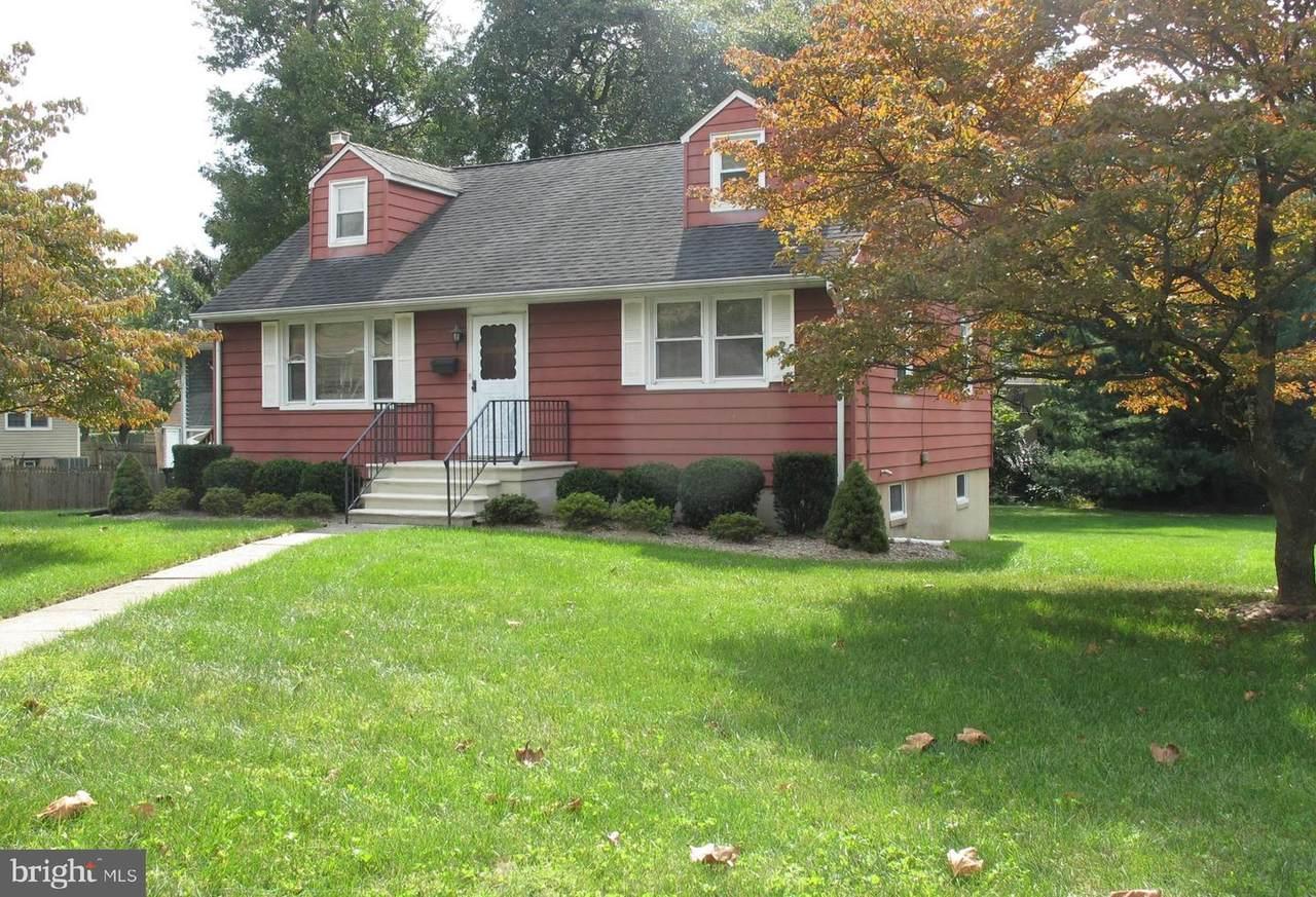 1211 Columbia Ave - Photo 1