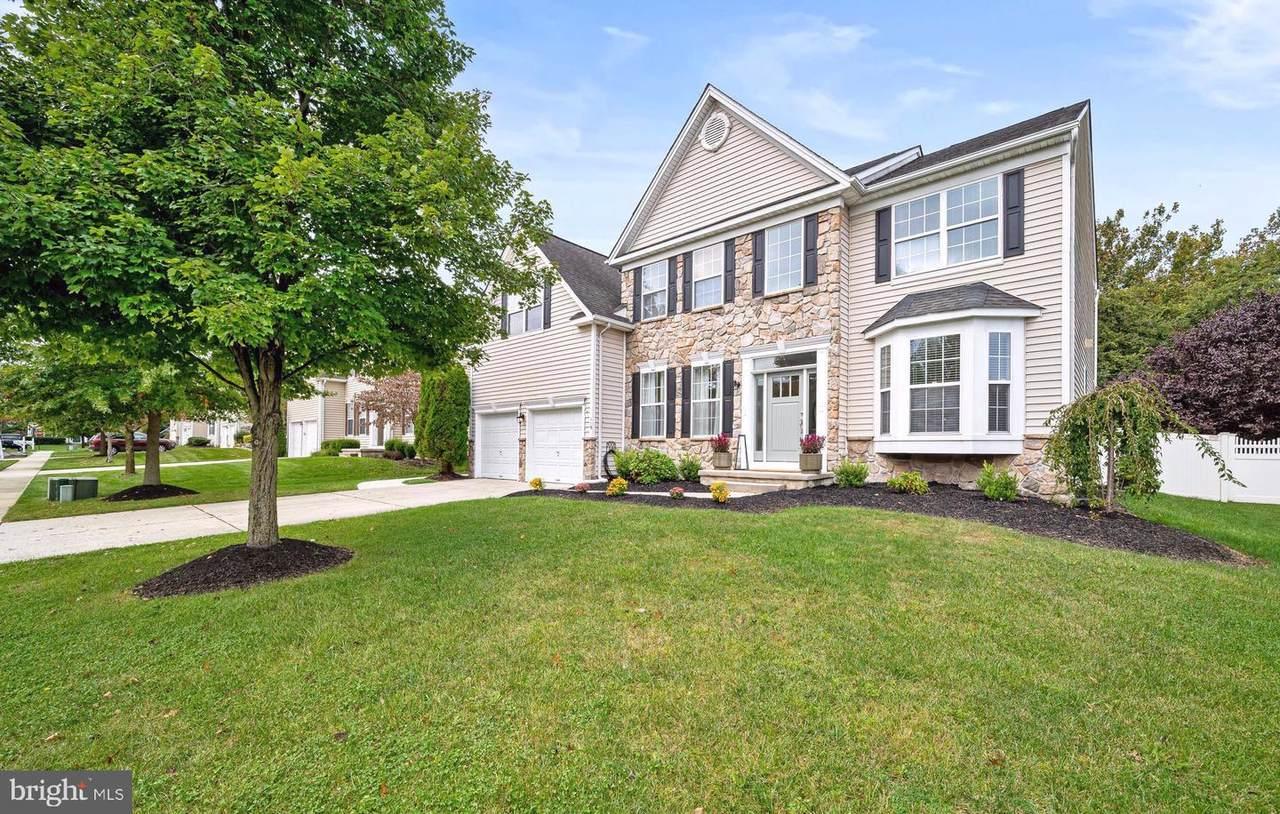 119 Foxwood Terrace - Photo 1