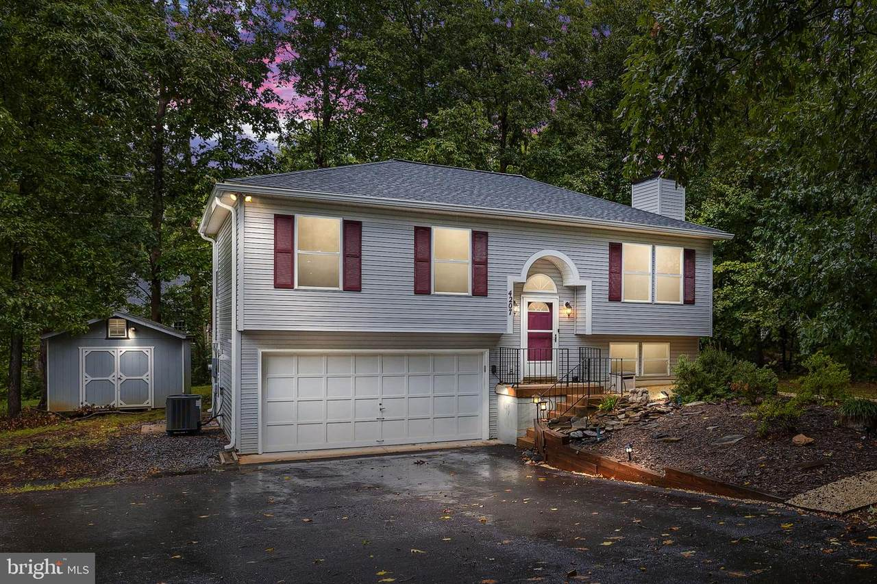 4207 Lakeview Parkway - Photo 1