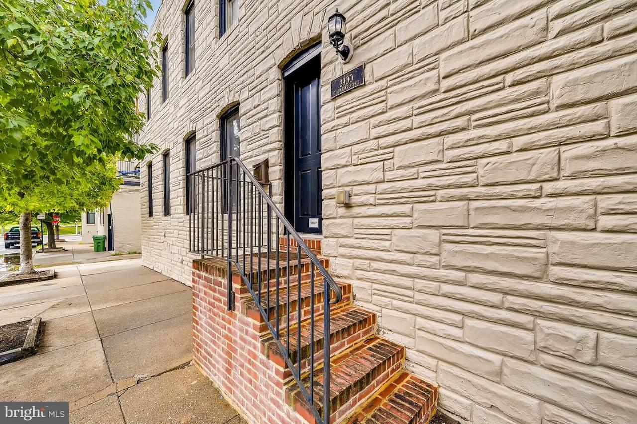 2900 Lombard Street - Photo 1
