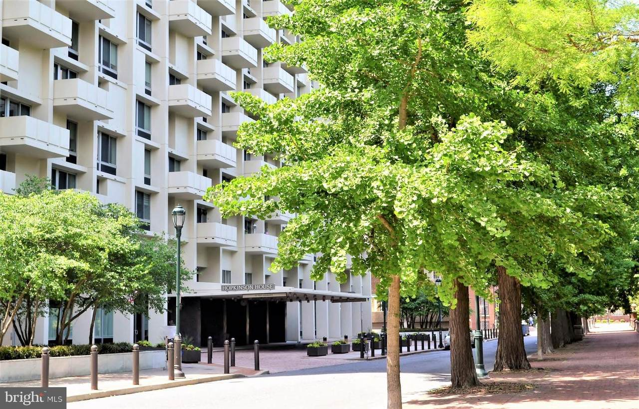 604-36 Washington Square - Photo 1
