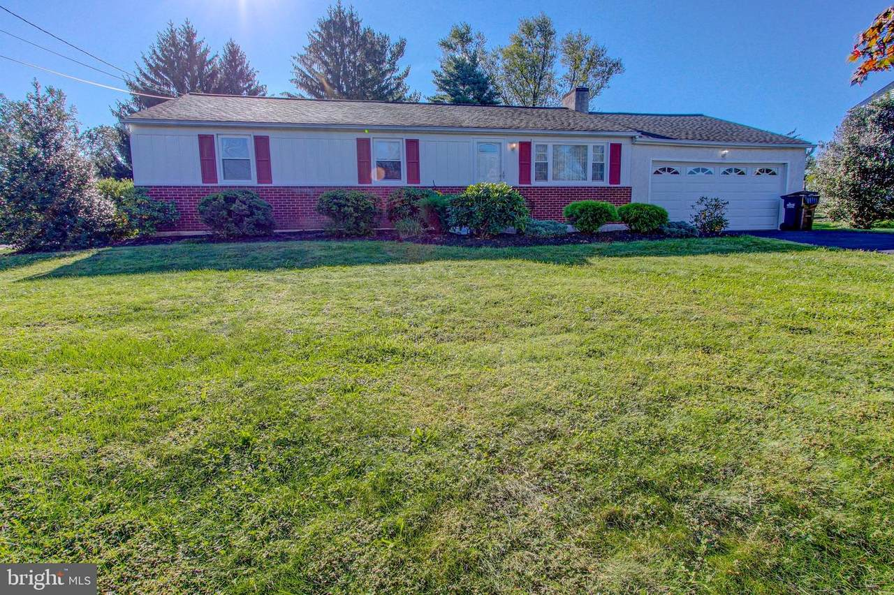 305 Willowbrook Road - Photo 1