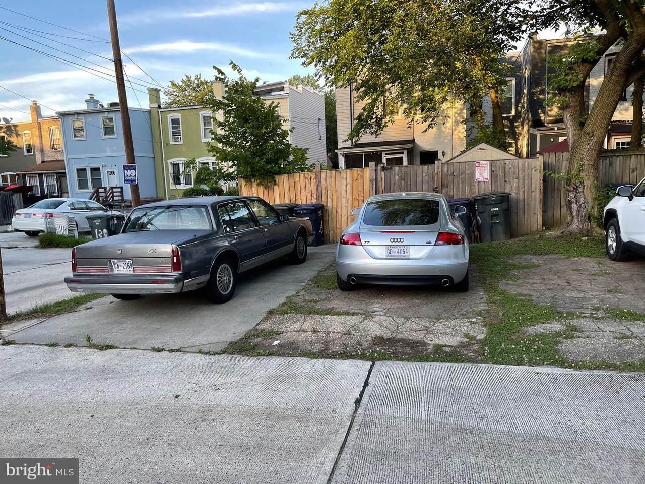 112-118 16TH Street - Photo 1