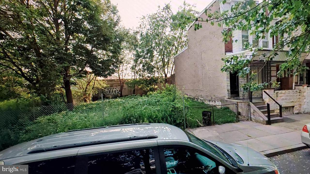 1832 Schiller Street - Photo 1