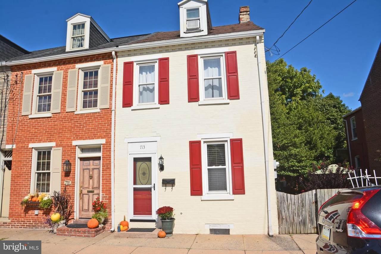 713 Chestnut Street - Photo 1