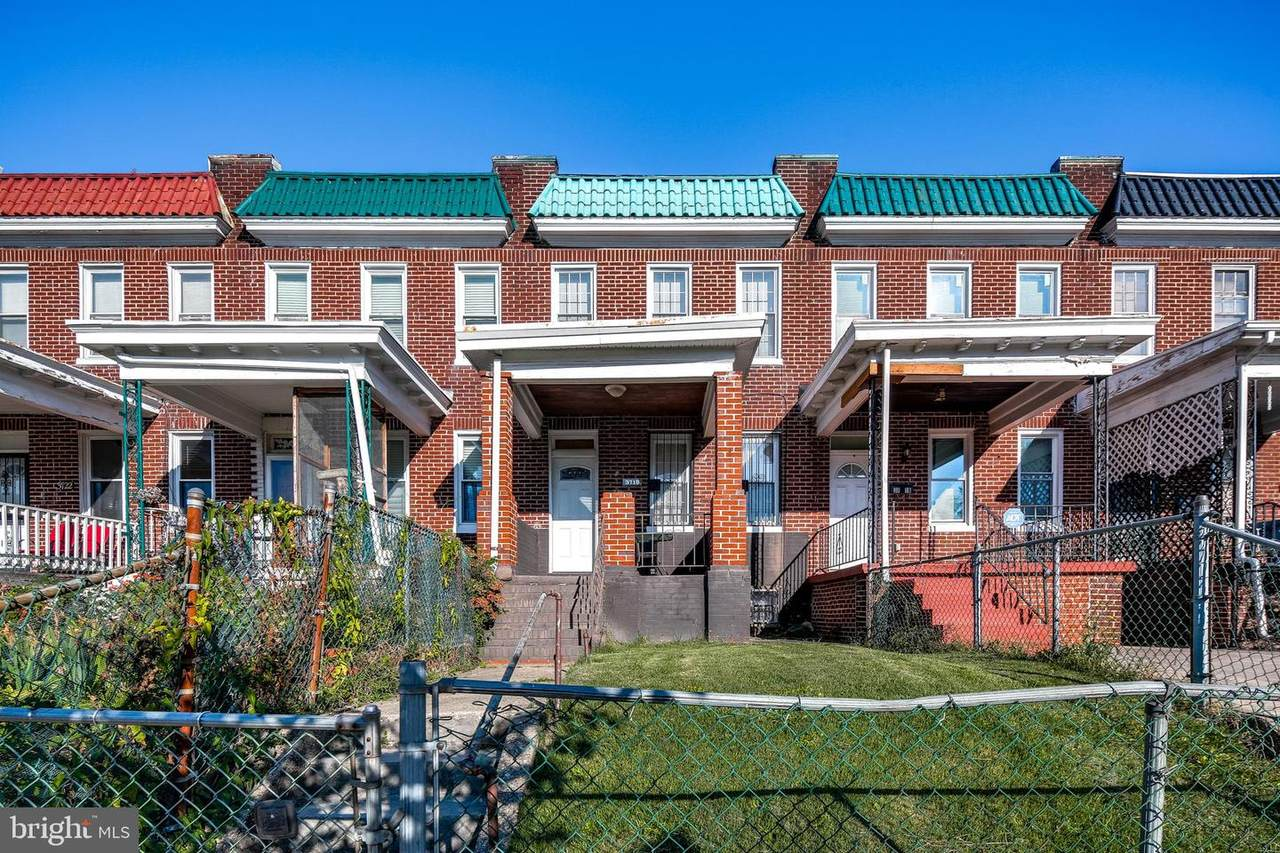 3718 Hayward Avenue - Photo 1