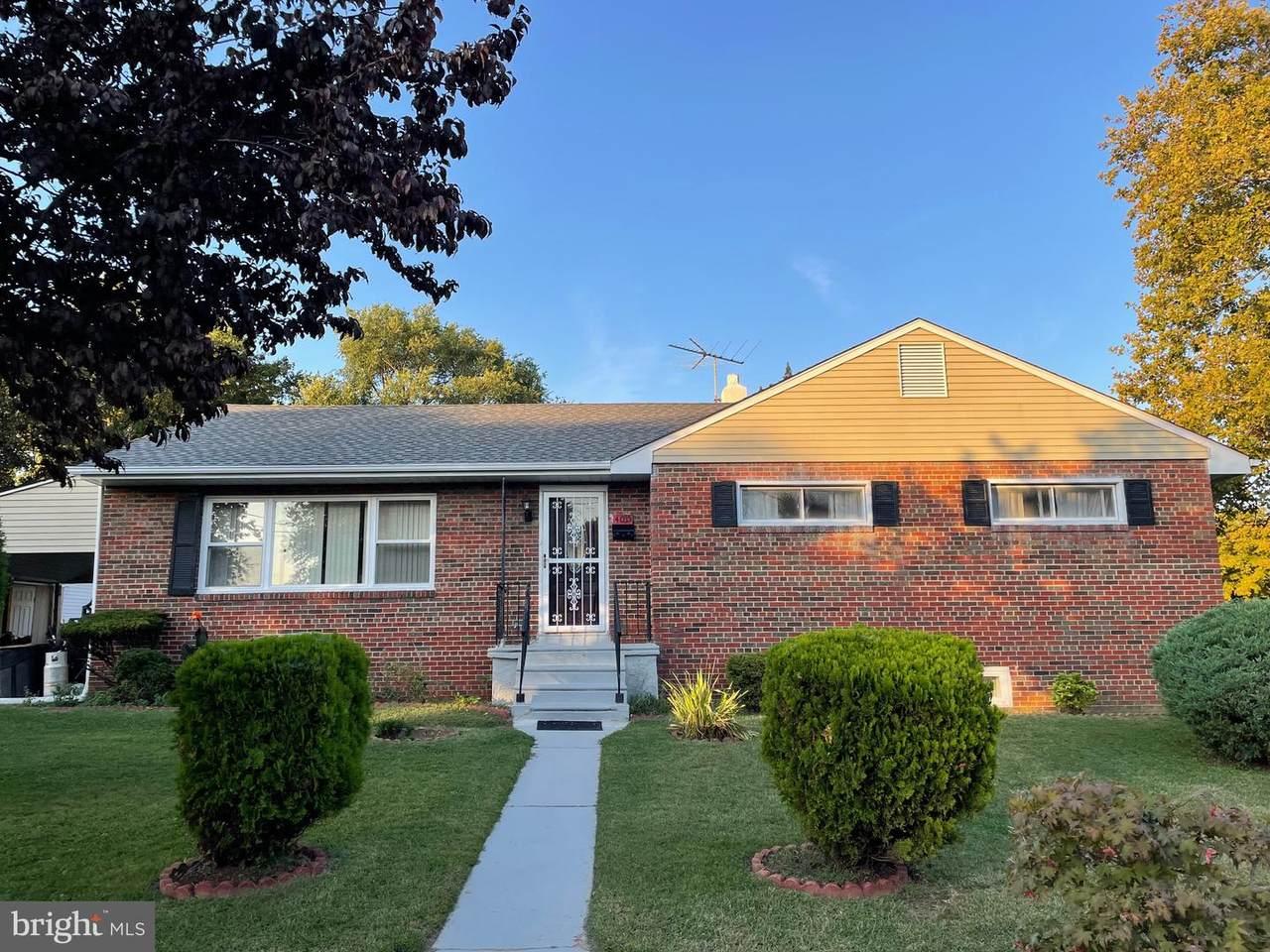 4035 Burwood Avenue - Photo 1