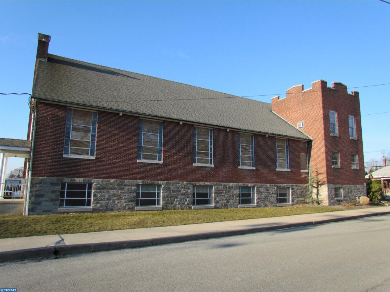 236 Richmond Street - Photo 1