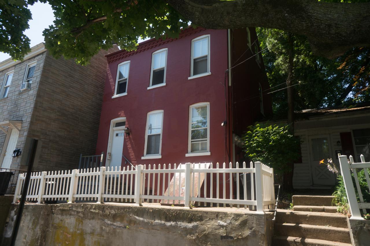 116 Laurel Street - Photo 1