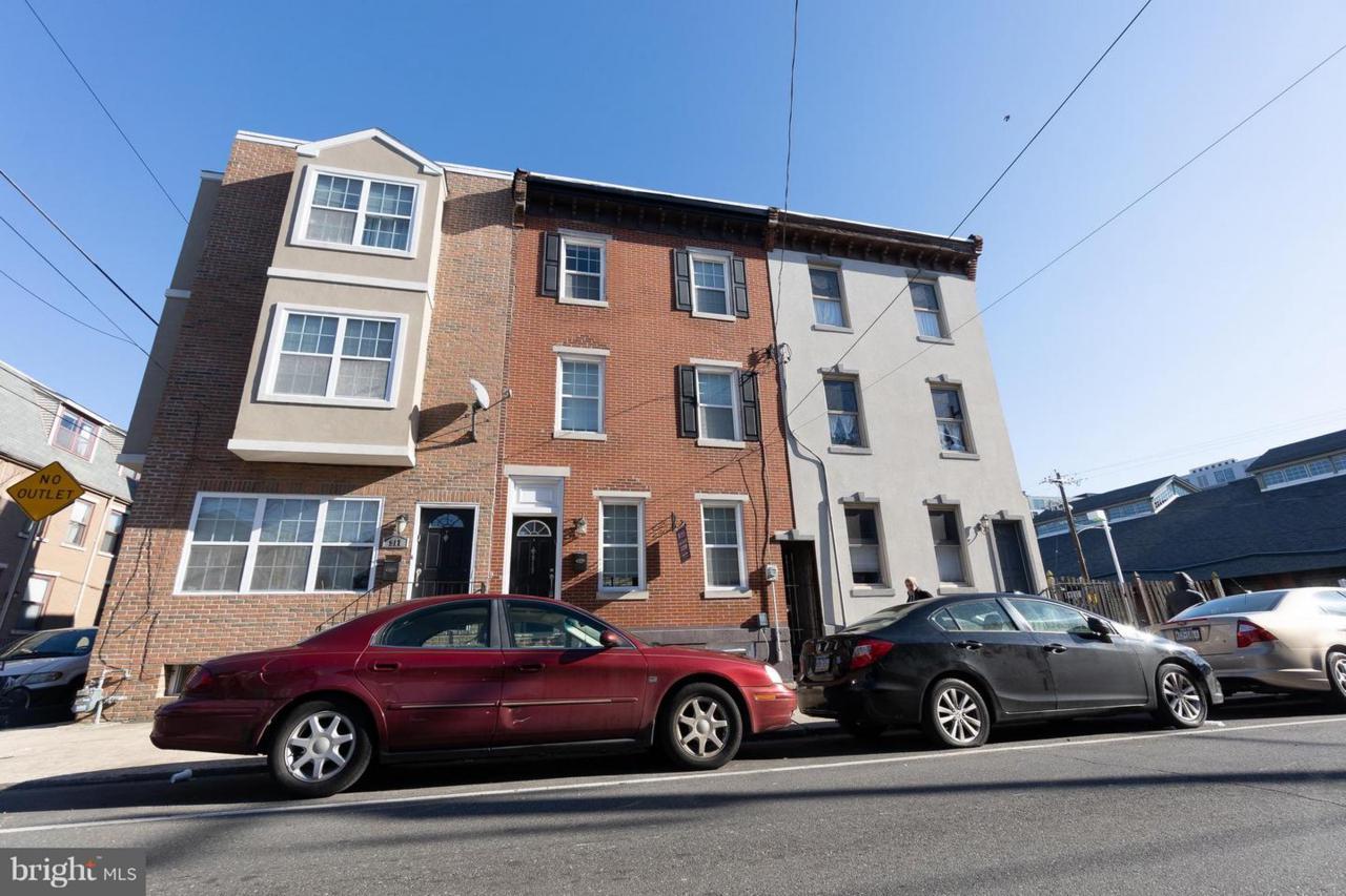 919 15TH Street - Photo 1