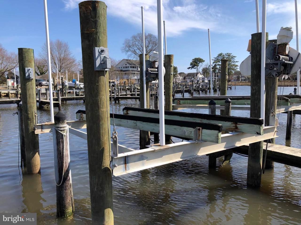 Boat Slip Whites Creek Marina - Photo 1