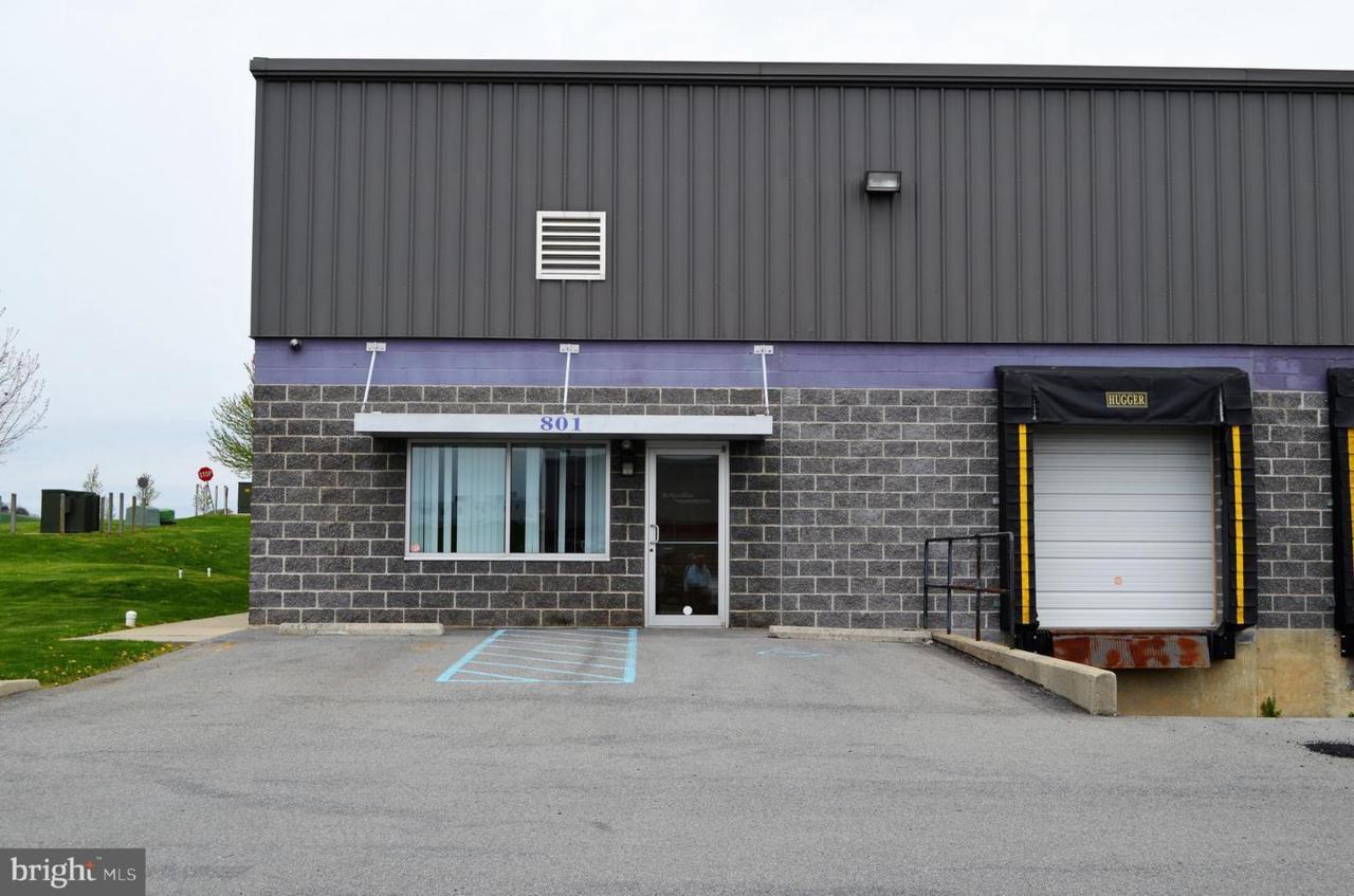 801 Tomahawk Drive - Photo 1
