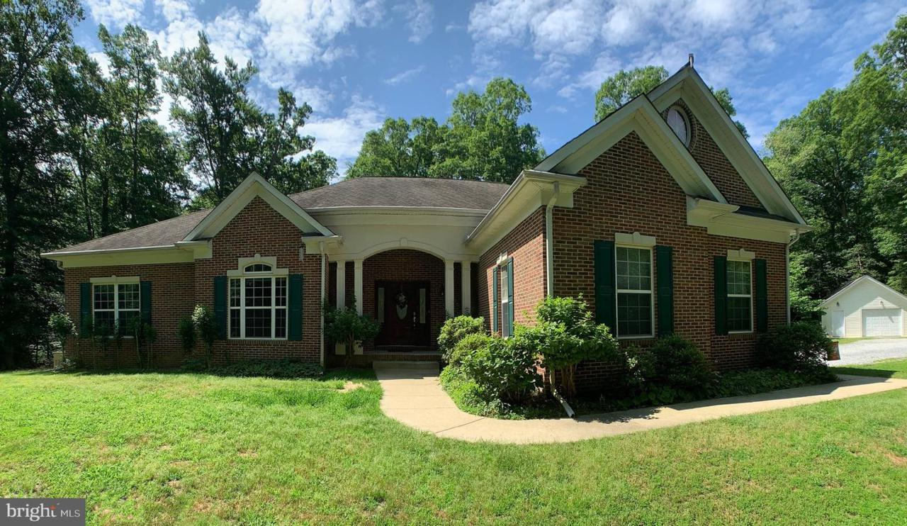 2750 Colonial Road - Photo 1