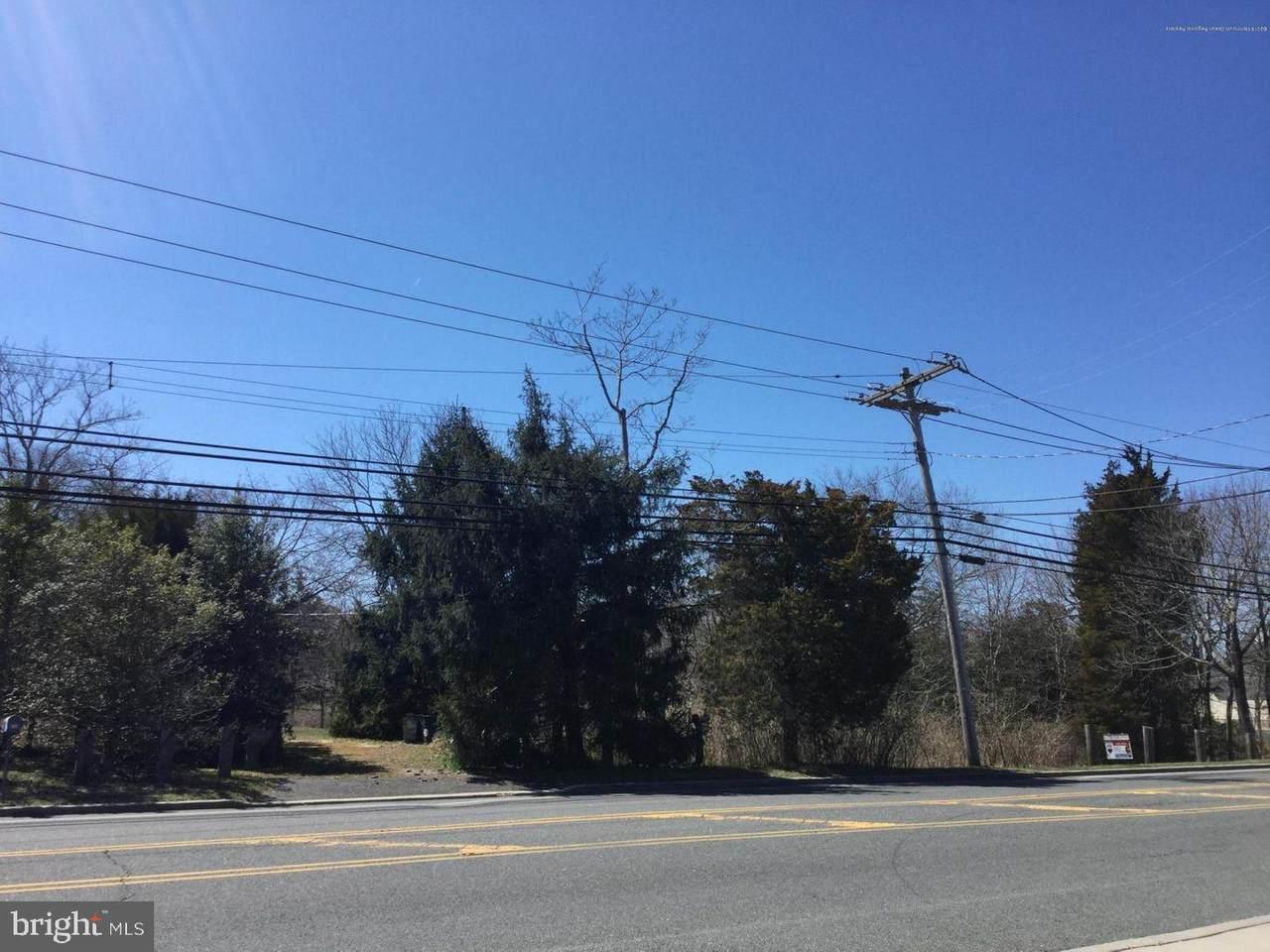 835 Bay Avenue - Photo 1